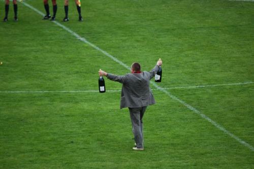 Šampanas paduotas!